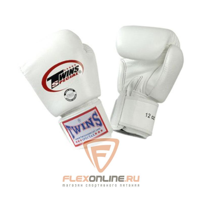 Боксерские перчатки Перчатки боксерские тренировочные 16 унций белые от Twins